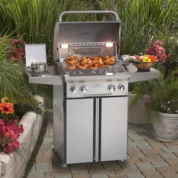 20 Outdoor Grill Designs and What to Look for When Buying ... on Exterior Grill Design id=49257